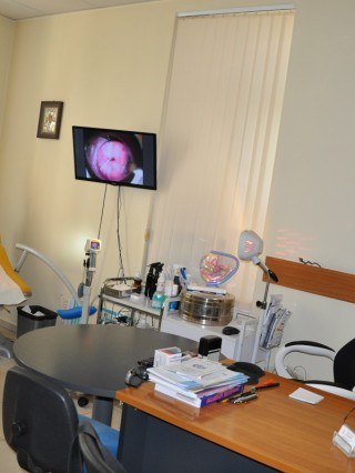 Д-р Николай Генов