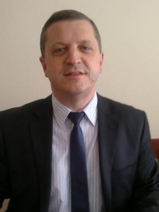 Д-р Валери Томов