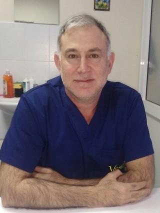 Д-р Милко Шопов