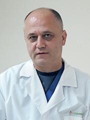 Д-р Валери Петров