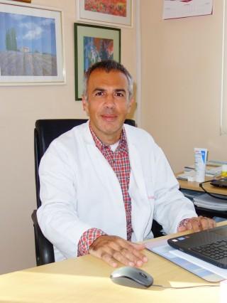 Д-р Боян Костов