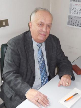 Доц. Светослав Ханджиев