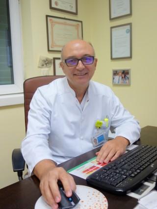 Доц. Пенчо Кратунков, дм, FSCAI