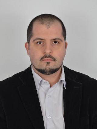Д-р Делян Овчаров