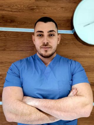 Д-р Тихомир Николаев