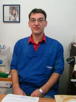 Д-р Николай Колев