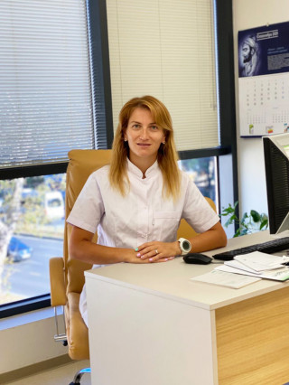 Д-р Евелина Златанова
