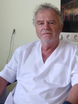 Д-р Валентин Жечев