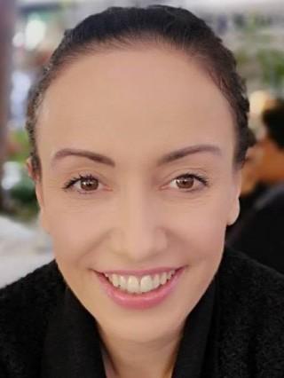 Доц. Райна Мандова