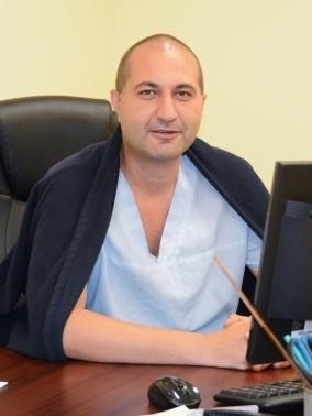 Д-р Ален Петров, дм