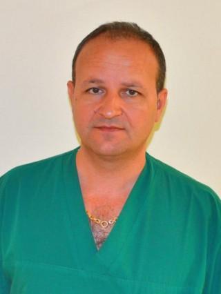 Д-р Артур Сарачев
