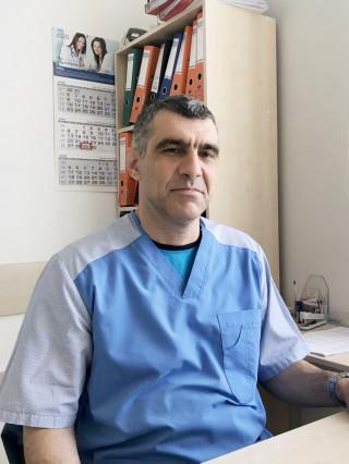 Д-р Юлиан Кръстев