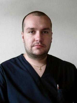 Д-р Илиан Иванов