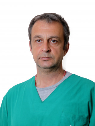 Д-р Петър Русев