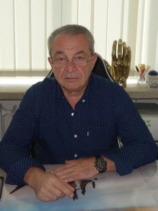 Д-р Веселин Дяволов