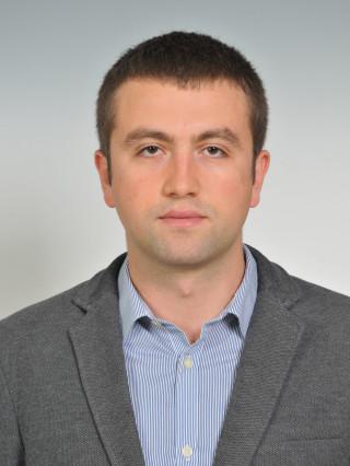 Д-р Любомир Бадев