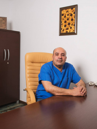 Д-р Луай Канхуш